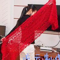 红色钩针编织蕾丝长披肩