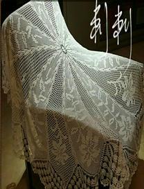 精致蕾丝圆形钩针编织百合花样桌布
