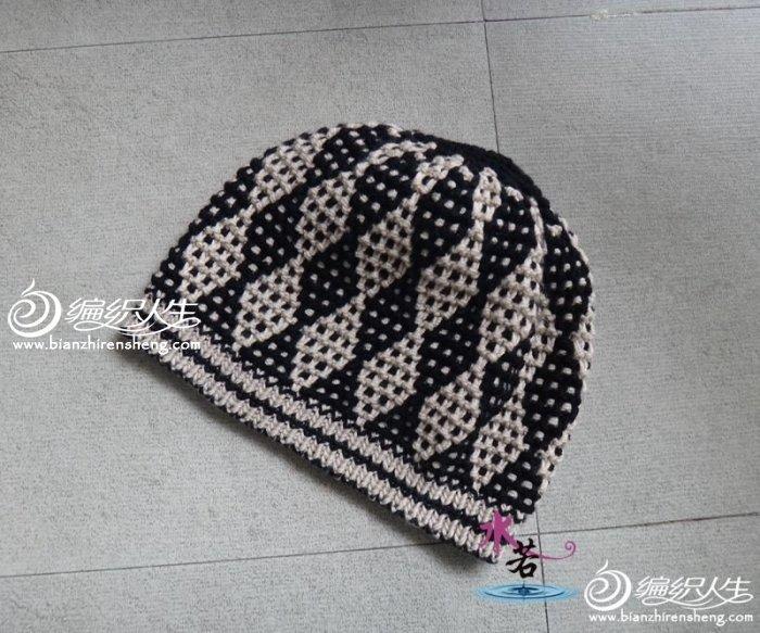滑针织法的提花帽子