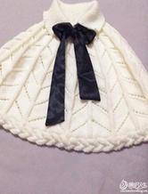 白色棒针编织斗篷披肩