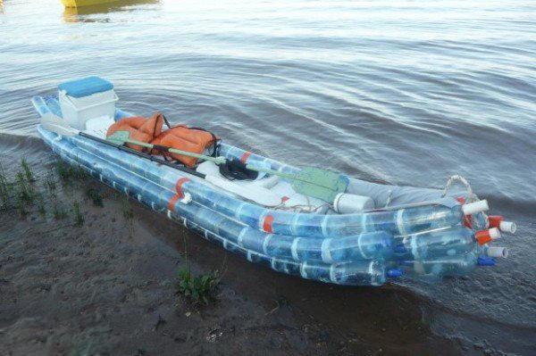 矿泉水瓶改造成的小船
