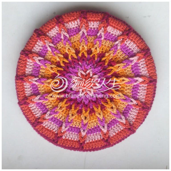 從外往中心鉤曼陀羅圖案花型 可用來鉤座墊或帽子圖片