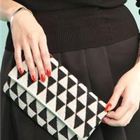 简洁时尚钩针黑白折叠晚装包详细制作过程