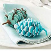 不织布花瓣制作可爱松果挂饰