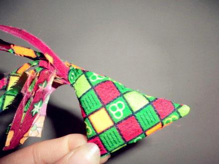 编织资讯 手工diy 缝春鸡缝制步骤教程      缝春鸡缝制步骤:     第