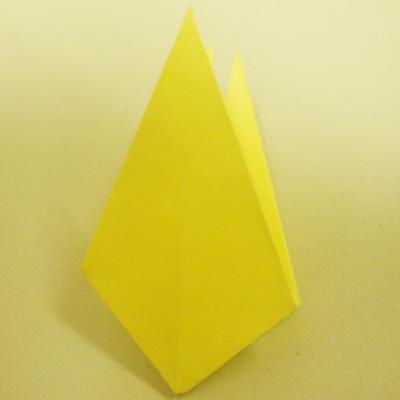 折出几十个千纸鹤,然后用线串起来