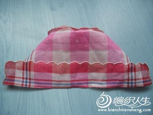 超简单手工制作手帕变身可爱婴儿帽图解