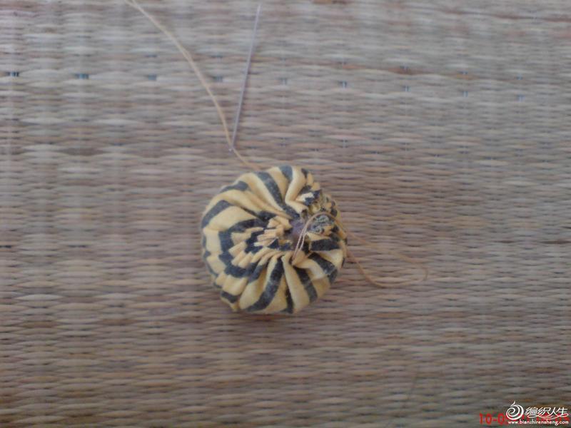 用碎布头DIY布艺蜗牛玩偶的过程-编织人生