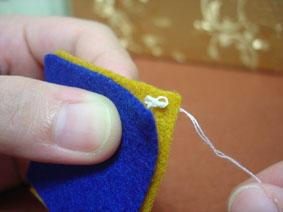 手工布艺之毛边缝针法的教程