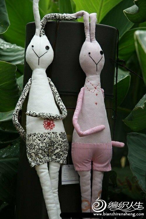 布艺兔子的悠闲生活