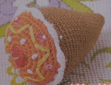 钩针教程之甜筒吊饰的编织图解