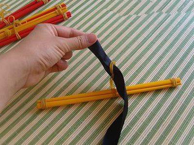 变废为宝手工制作 筷子变身实用衣挂图解