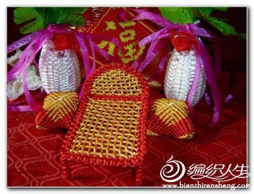 用中国结艺手法编织精致的家具作品