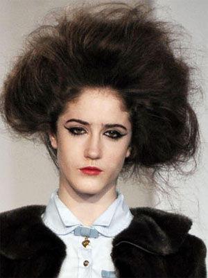 时尚也花心!一场秀的15种发型