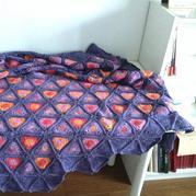童毯之自染线钩织三角花样拼花毯