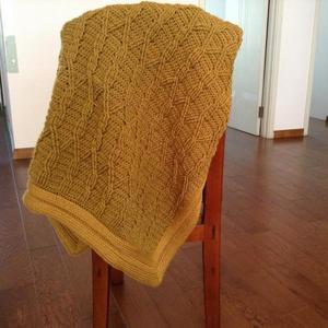 温暖居家 钩针绞花密实花样斜纹盖毯