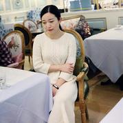 灿若晨曦 棒针白色气质七分袖圆领毛衣裙