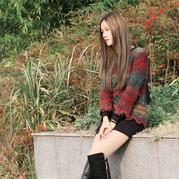 秋色璀璨 女士棒针段染不规则下摆圆领套头毛衣