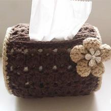 实用大方旧改物造钩花纸巾筒