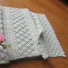 浅灰钩针秋冬羊绒镂空花围巾