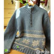暖男的立领套头衫 云点月光蓝棒针雪花提花毛衣