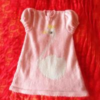 三岁左右女宝宝泡泡袖白天鹅图案棒针毛线裙