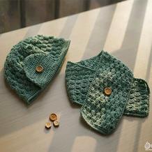 简单大方钩针宝宝带扣围巾帽子套装