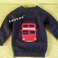 男童红色汽车绣花图案插肩毛衣