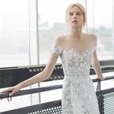阳春三月,奔驰娱乐带你看梦幻蕾丝手工编织婚纱礼服