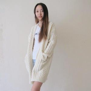 时尚女士毛衣编织之清纯玉女范棒针复古麻花外套