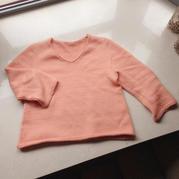 毛线球11上的一款女士棒针从上往下织v领毛衣