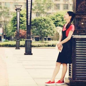 女士春夏手编服饰款式之棒针背带包臀半身裙