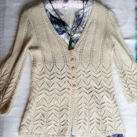 初夏女士手编毛衣款式之云素麻棉棒针镂空中袖开衫
