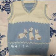 手编儿童毛衣款式之云柔棒针小兔图案V领背心
