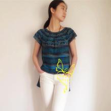 夏季编织服饰之不需穿打底的女士钩针结合育克短袖棉麻衫