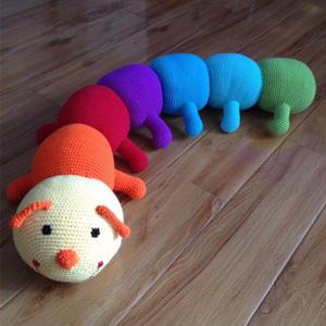 钩针玩偶图解之钩针大号彩虹毛毛虫钩法 也可以做抱枕