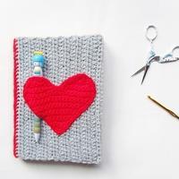 自己动手制作漂亮的毛线本子封面 毛线编织创意小手工