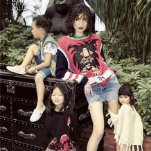 超模李丹妮及女儿的辣妈萌宝百变时尚造型