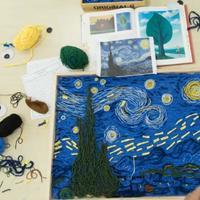 年轻艺术家用毛线拼画出梵高名画星空