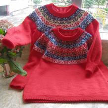 龙凤胎宝宝的棒针提花套头小毛衣