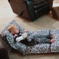 几个枕头打造孩子玩乐小天地