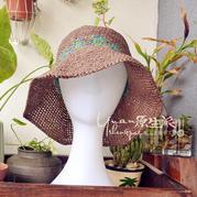 女士夏季钩针宽边和纸帽子