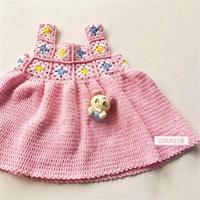 适合3-5岁宝宝穿着的钩针拼花吊带连衣裙