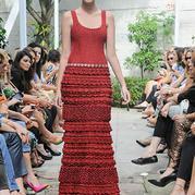 热烈美丽的夏天——钩针红色系美裙欣赏