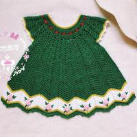 从领口往下编织的钩针宝宝连衣裙