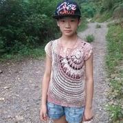 儿童版涟漪 钩针女孩蕾丝罩衫