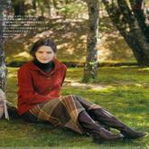 女士深红色棒针翻领麻花长袖开衫外套