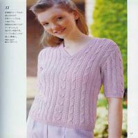 女士浅紫色棒针小V领麻花短袖套衫