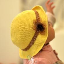 可爱女童钩针小黄帽
