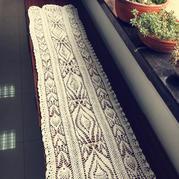 漂亮钩针菠萝花蕾丝桌旗